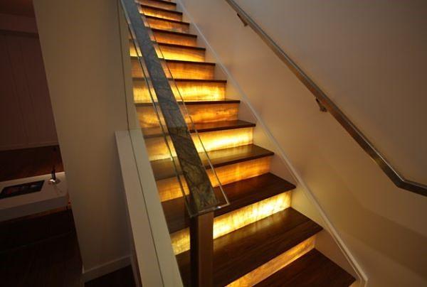 Пример подсветки лестницы